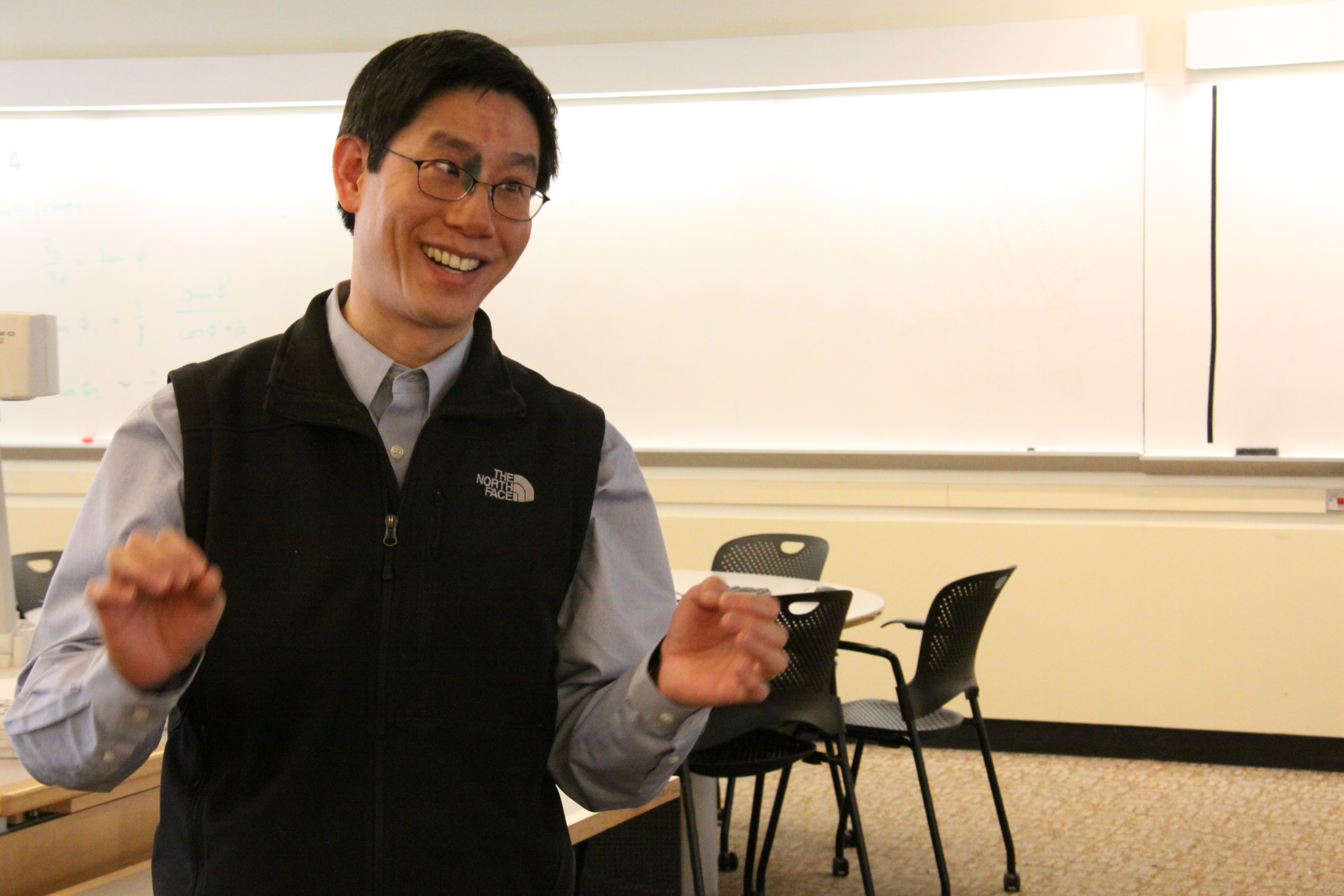 an argument against creative thinking classes Even in a highly-structured classroom environment, you can foster creativity with strategies like possibility thinking, divergent thinking, encouraging student presenting in front of the class few would argue that steve jobs' creativity helped produce the iphone and other innovative apple products.